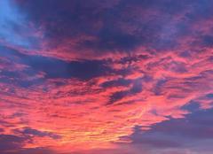 Ciel Cadours 31480 Lever de soleil sur Cadours