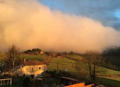 Nuages Saint-Cyr-le-Chatoux 69870 SAINT CYR LE CHATOUX dans UN nuage