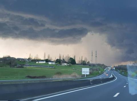 Orage + grele sur autoroute A20 donzenac
