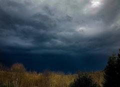 Nuages Champs-sur-Tarentaine-Marchal 15270 L'après orage