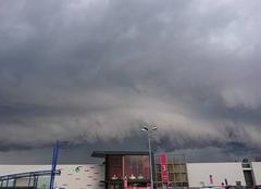 Orage Ecully 69130 Gros orage sur la région Lyonnaise