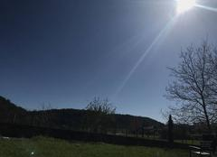 Ciel Cremieu 38460 Ciel bleu et température très agréable ??