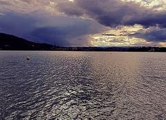 Ciel Annecy 74000 Coucher de soleil sur le lac