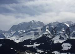 Neige Megeve 74120 Le Mont Blanc et le Mont Joly vus du haut de la Caboche.