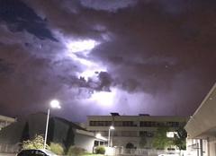 Orage Fontenay-sous-Bois 94120 Éclair dans les nuages