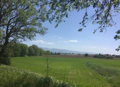 Ciel Mours-Saint-Eusebe 26540 Belle campagne au printemps