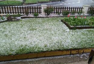 Orage Saint-Amand-sur-Fion 51300 Petit orage de printemps et des grêlons en prime