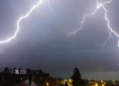 Orage Ars-sur-Moselle 57130 Lumineux et bruyants