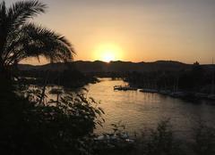 Ciel Assouan Coucher de soleil sur le Nil