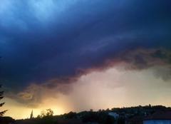 Orage Regny 42630 Premier orage sur Régny (Loire)