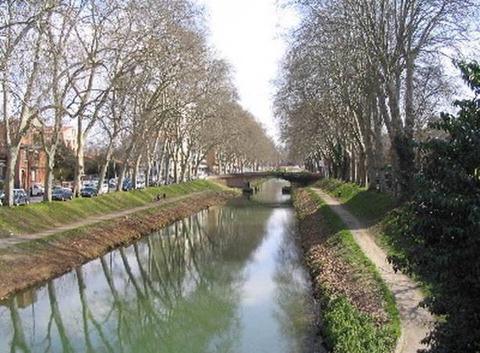 Au bord du Canal du Midi à Toulouse