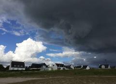 Nuages Tregunc 29910 Le mechant nuage noir