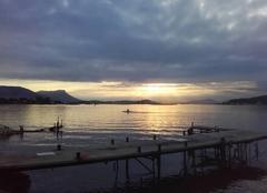 Ciel La Seyne-sur-Mer 83500 éclairage matinal sur la rade