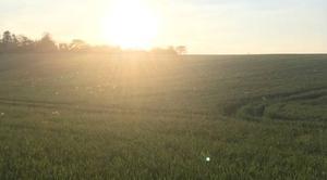 Ciel Juziers 78820 Deniers rayons de soleil sur la plaine