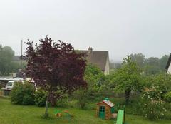 Ciel Lantenay 21370 Lantenay dans la brume matinale qui masque les monts alentours