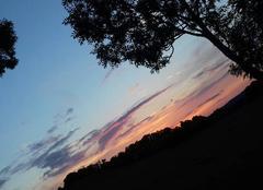 Ciel Caylus 82160 Magnifique coucher de soleil