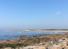 Mer Cosqueville 50330 Ciel bleu près de cherbourg
