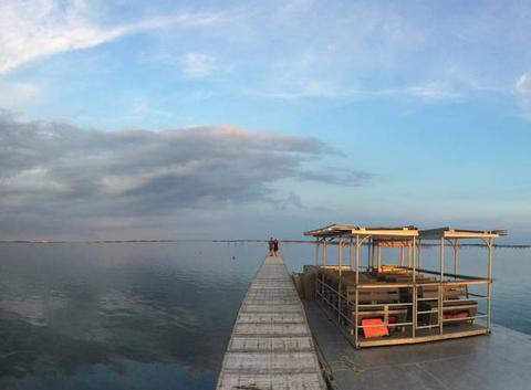 Le bassin de Thau un soir de mai