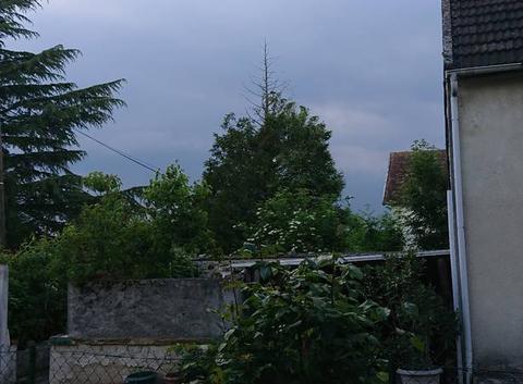 Ciel gris orageux