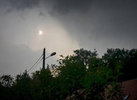 L'orage touche à sa fin...