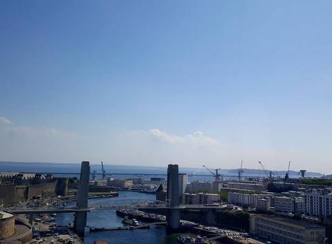 Brest sous un chaud soleil,vue du téléphérique!