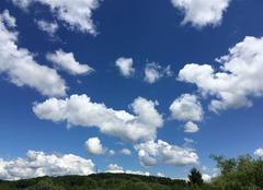 Ciel Belfort 90000 Joli ciel moucheté de nuages