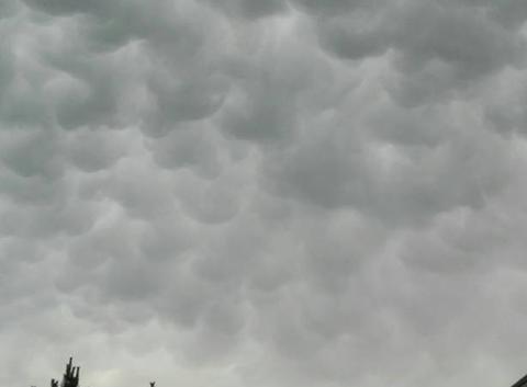 Des nuages de vagues