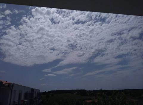 Quelques nuages