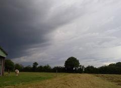 Orage Latille 86190 L'orage arrive sur Latillé.