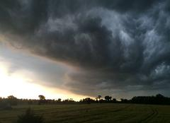 Nuages Melesse 35520 L'orage arrive