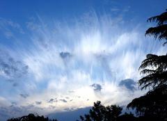 Ciel Saint-Lezer 65500 Lever du soleil ou explosion bizarre en ce Dimanche matin du 27 Mai 2018