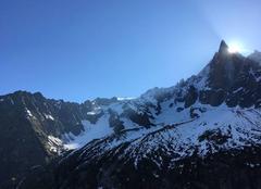 Ciel Chamonix-Mont-Blanc 74400 Levée de soleil sur les Deus