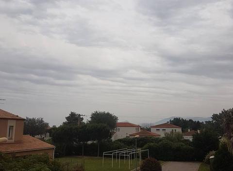 Fête des mères sous les nuages