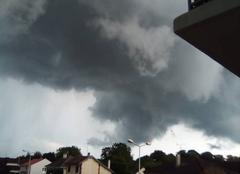 Orage Mourmelon-le-Grand 51400 L'orage arrive - 20h45