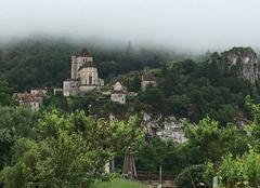 Brouillard Saint-Cirq-Lapopie 46330 Brumes a saintcircq lapopie