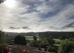 Brouillard Bargème 83840 Les montagnes sortent des nuages