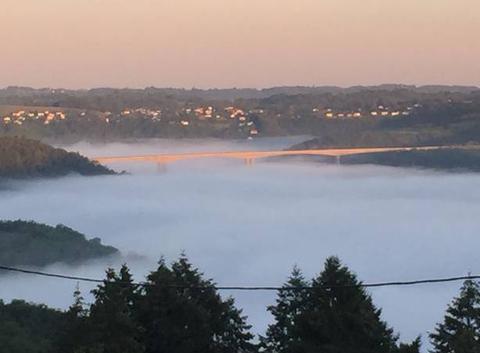 Brouillard sous le viaduc Gimel/Naves