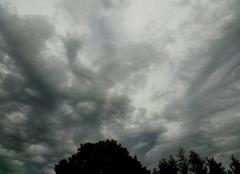 Nuages Saint-Germain-des-Pres 49170 Prémisses d'orage