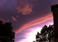 Ciel Issigeac 24560 L'orage rejoint le soleil couchant