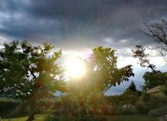 Orage Saint-Martin-de-Riberac 24600 Soleil avant l'orage