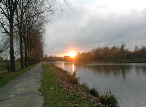 Coucher de soleil,canal du centre