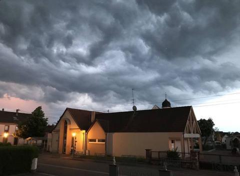 Le ciel se déchaine avant l?orage