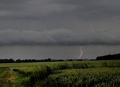 Ciel Courville-sur-Eure 28190 Foudre et arcus à Courville-sur-Eure (28)