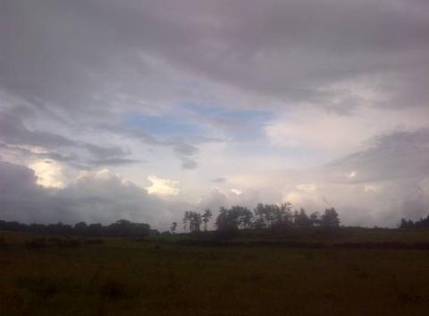 Quand le ciel se transforme en une chaîne de sommets enneigés ...