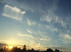 Ciel Plouha 22580 De beaux nuages dans le ciel au soleil couchant