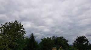 Nuages Luzancy 77138 Le ciel est très nuageux