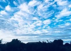 Ciel Strazeele 59270 Un soir la tête dans les nuages