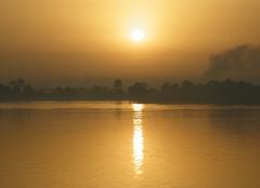 Louxor Levé de soleil en egypte 03-2010