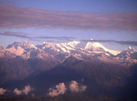 Lever du jour sur l'Himalaya