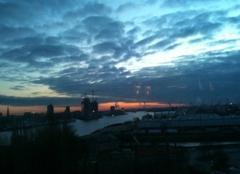 Hambourg Lever de soleil sur le port de Hamburg  (APPLICATION METEO - REPORTER MOBILE)